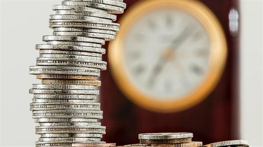 Pensioni, pila di soldi e orologio - SITO NUOVO