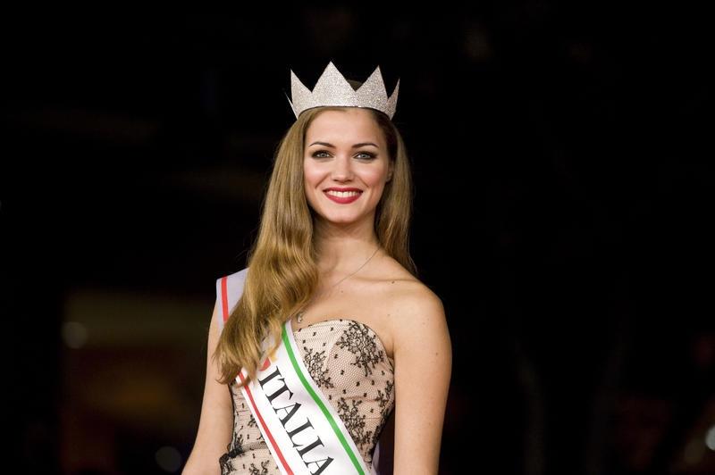 Giusy Buscemi Calendario.Giusy Buscemi Miss Italia Non E Un Concorso Per Donne