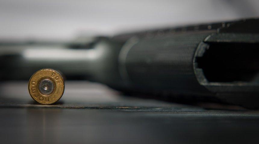 Armi, proiettile e pistola. Criminalità