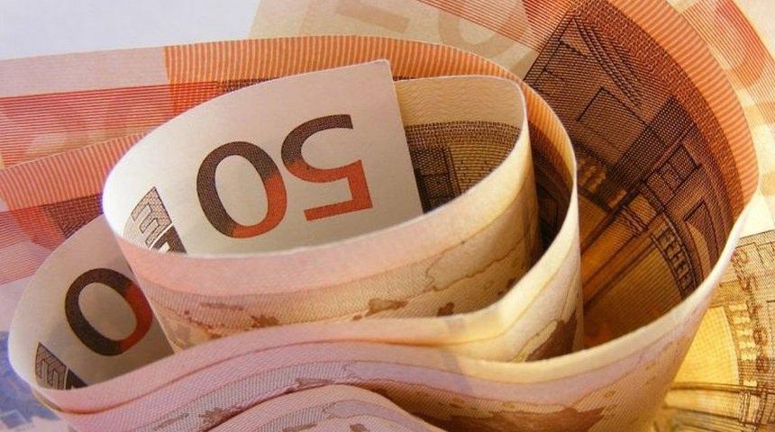 Economia, povertà, soldi arrotolati - SITO NUOVO