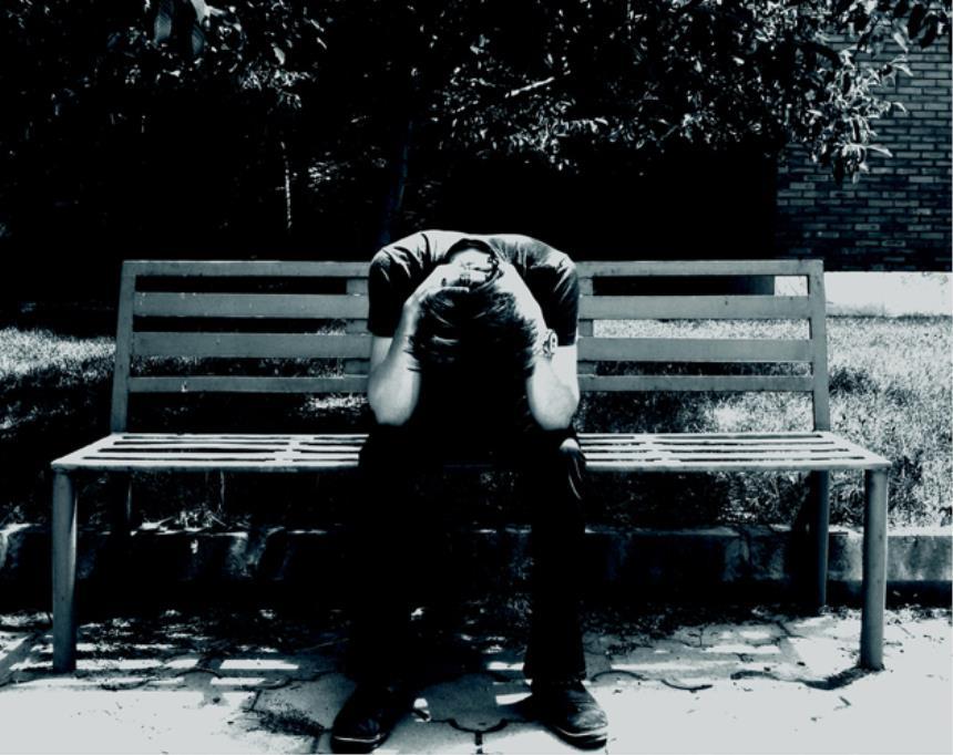 """Suicidi, oltre 12.800 casi in tre anni: 1 su 5 legato a malattie """"importanti"""""""